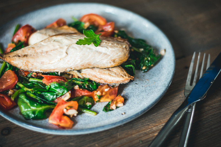 Mackerel Spinach & Tomatoes