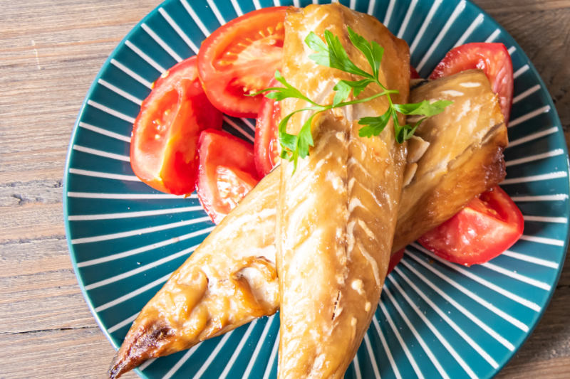 Mackerel & Tomatoes
