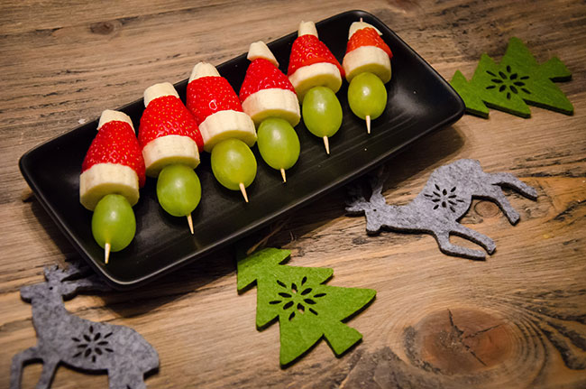 santa hats snack recipe image